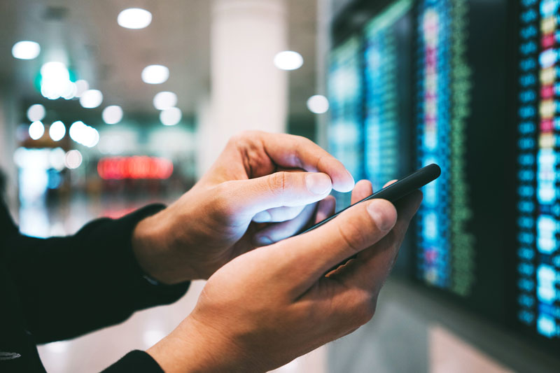 focus-innovations-phone-airport
